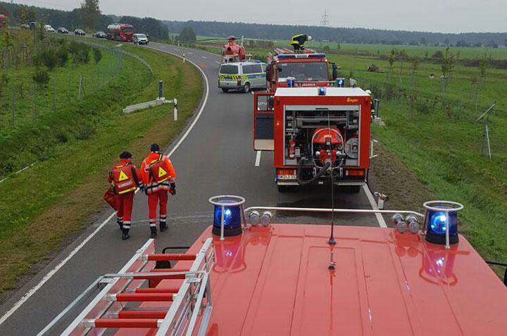 Bildaufnahme eines Einsatz mit Feuerwehrfahrzeugen